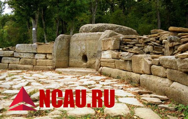 Кавказские дольмены
